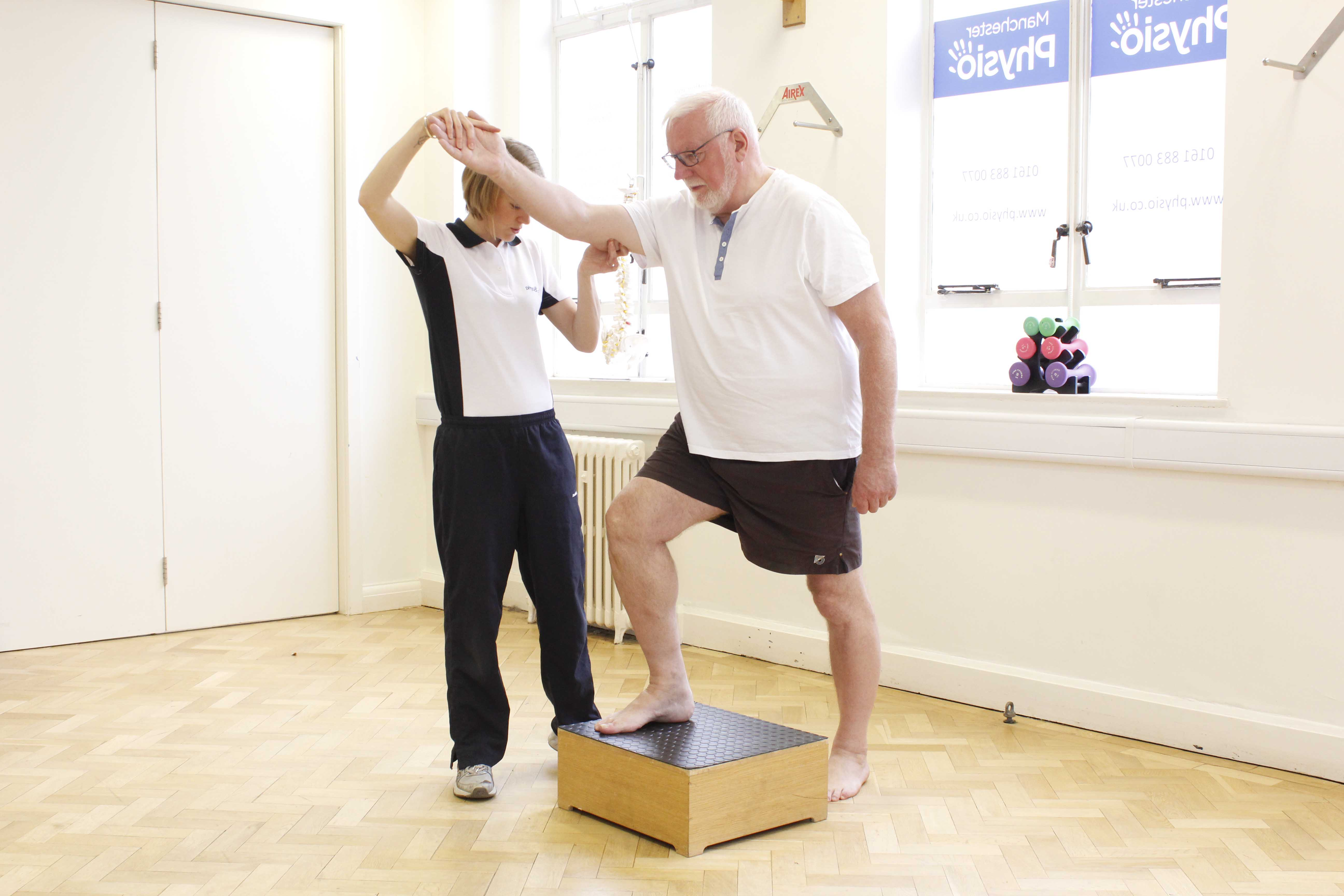 Progressive exercises tolerance workouts supervised by an experienced physiotherapist