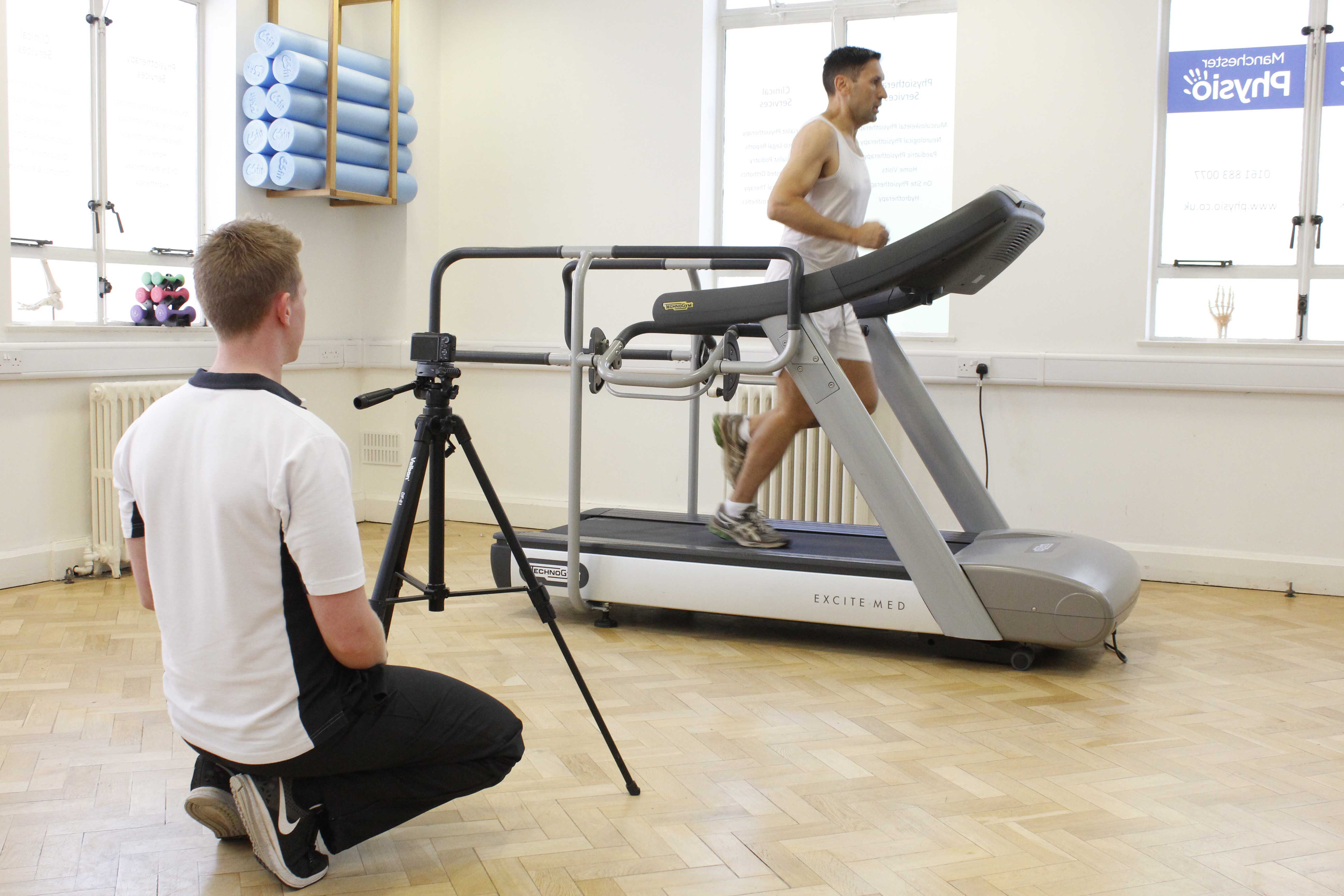 Physiotherapist performing biomechanical assessments to get the most out of your rehabilitation exercises