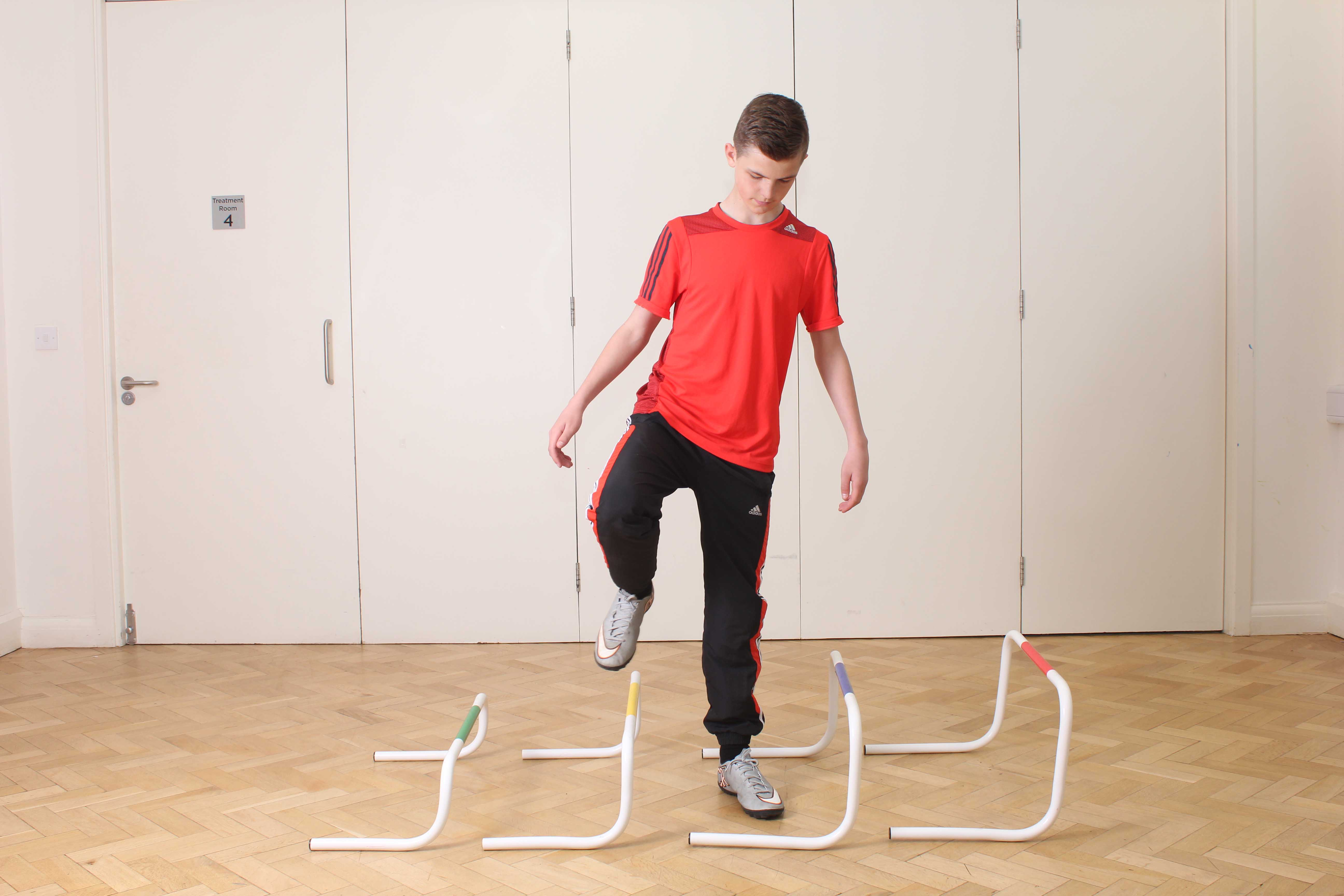 Side stepping over obstacles as part of gait re-education programme