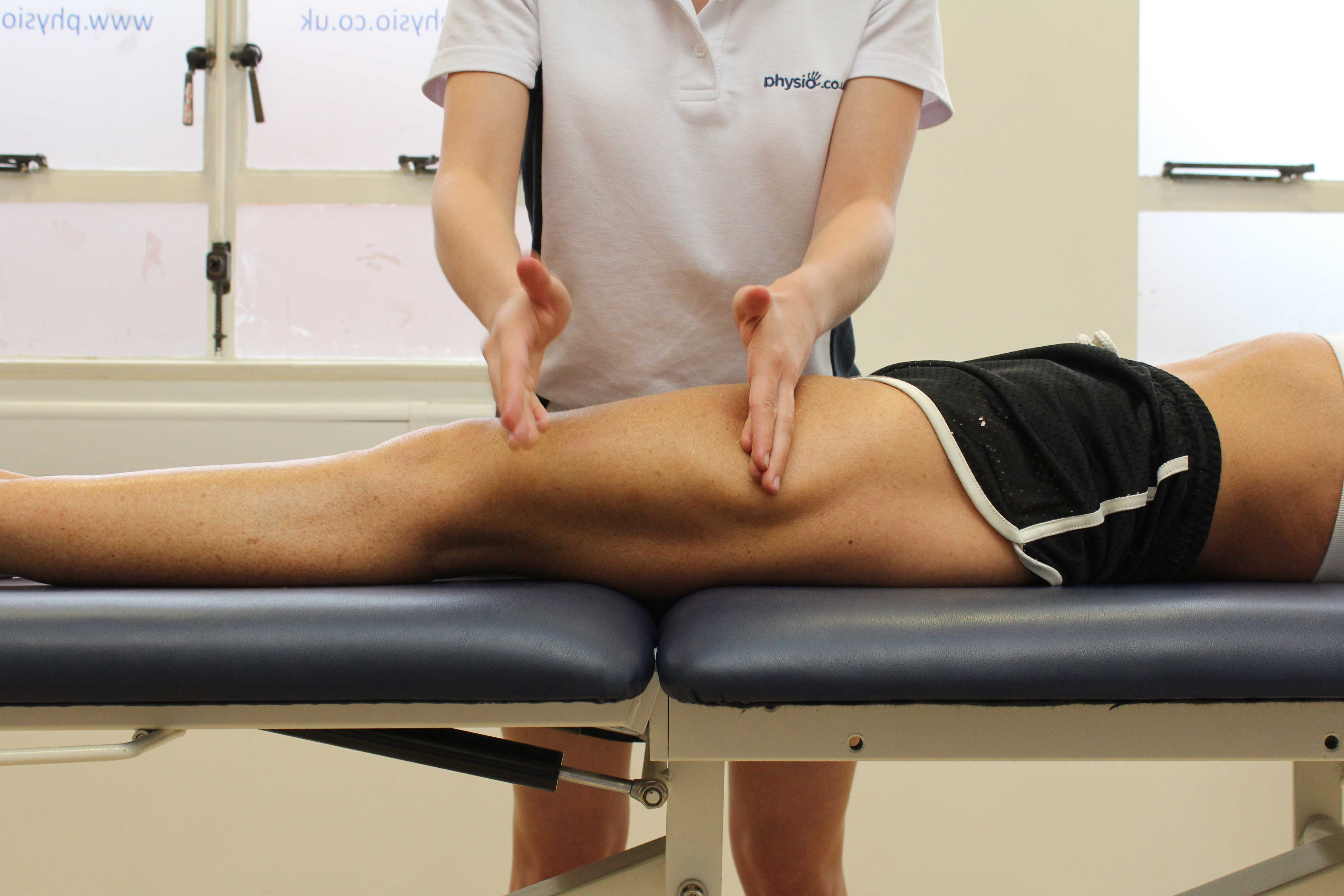 Chopping percussion massage technique applied to rectus femoris and vastus lateralis muscles