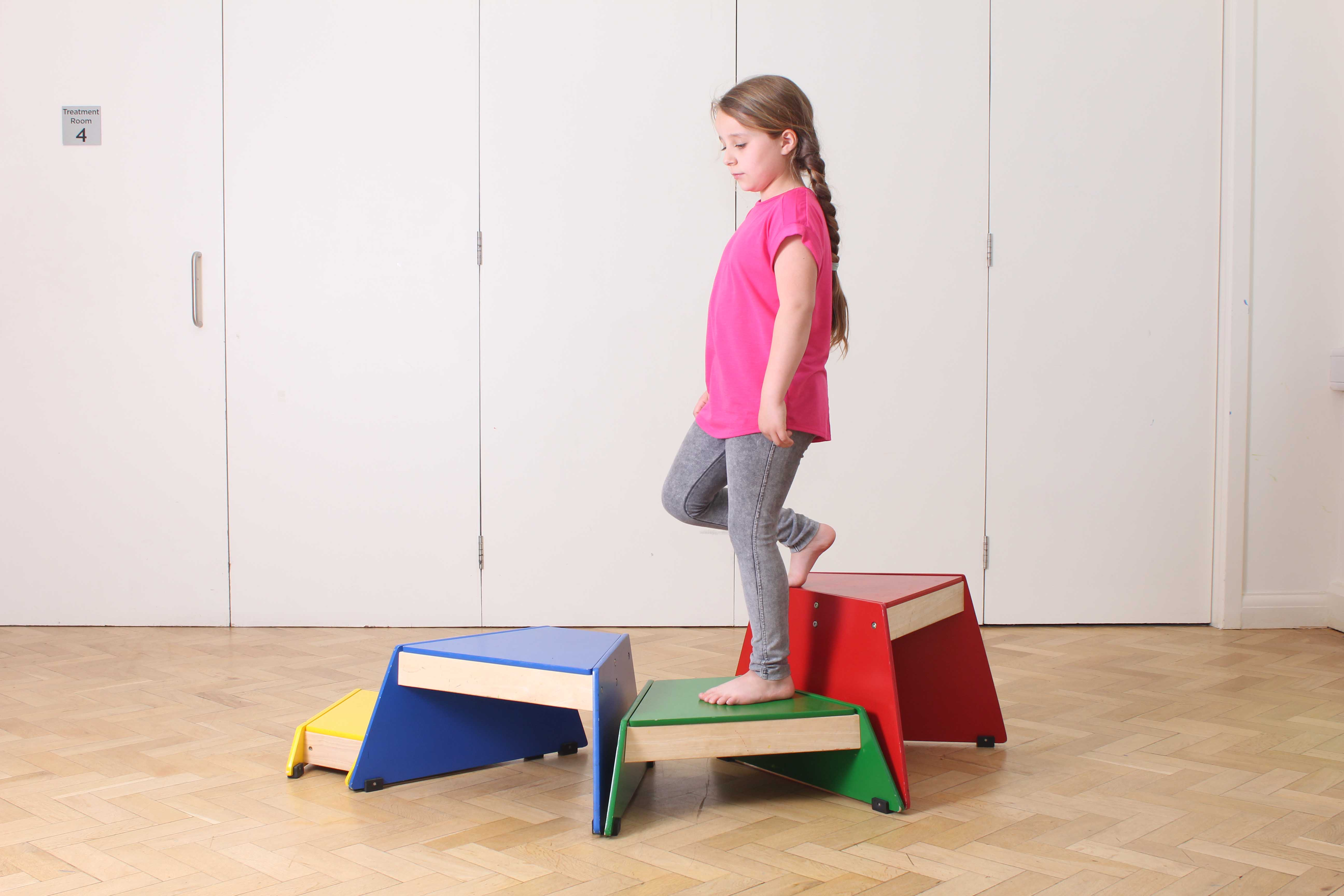Mobility exercises to address heel pain supervised by a paediatric physiotherapist