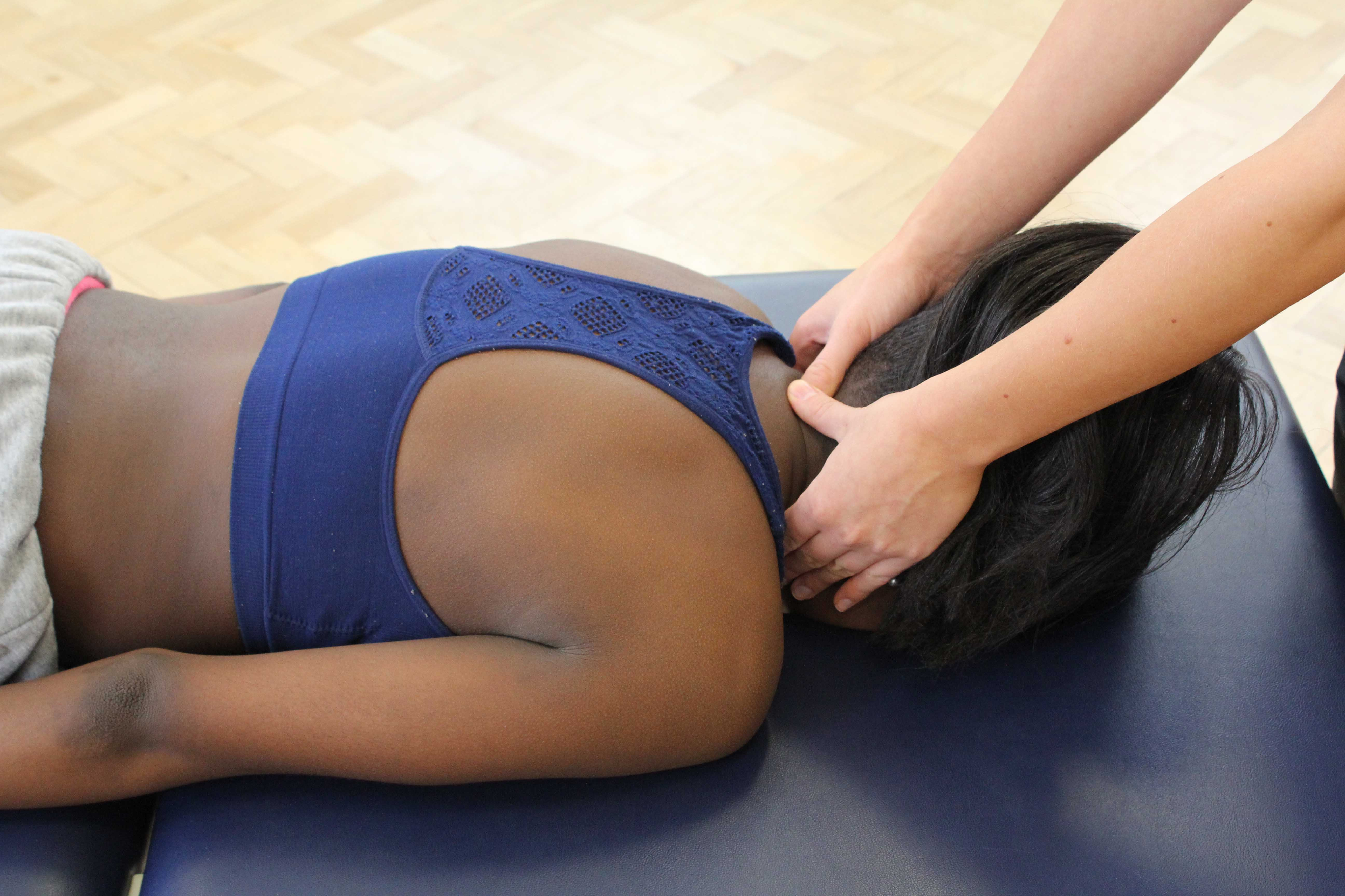 Mobilisations of the cervical spine to relieve pain and stiffness