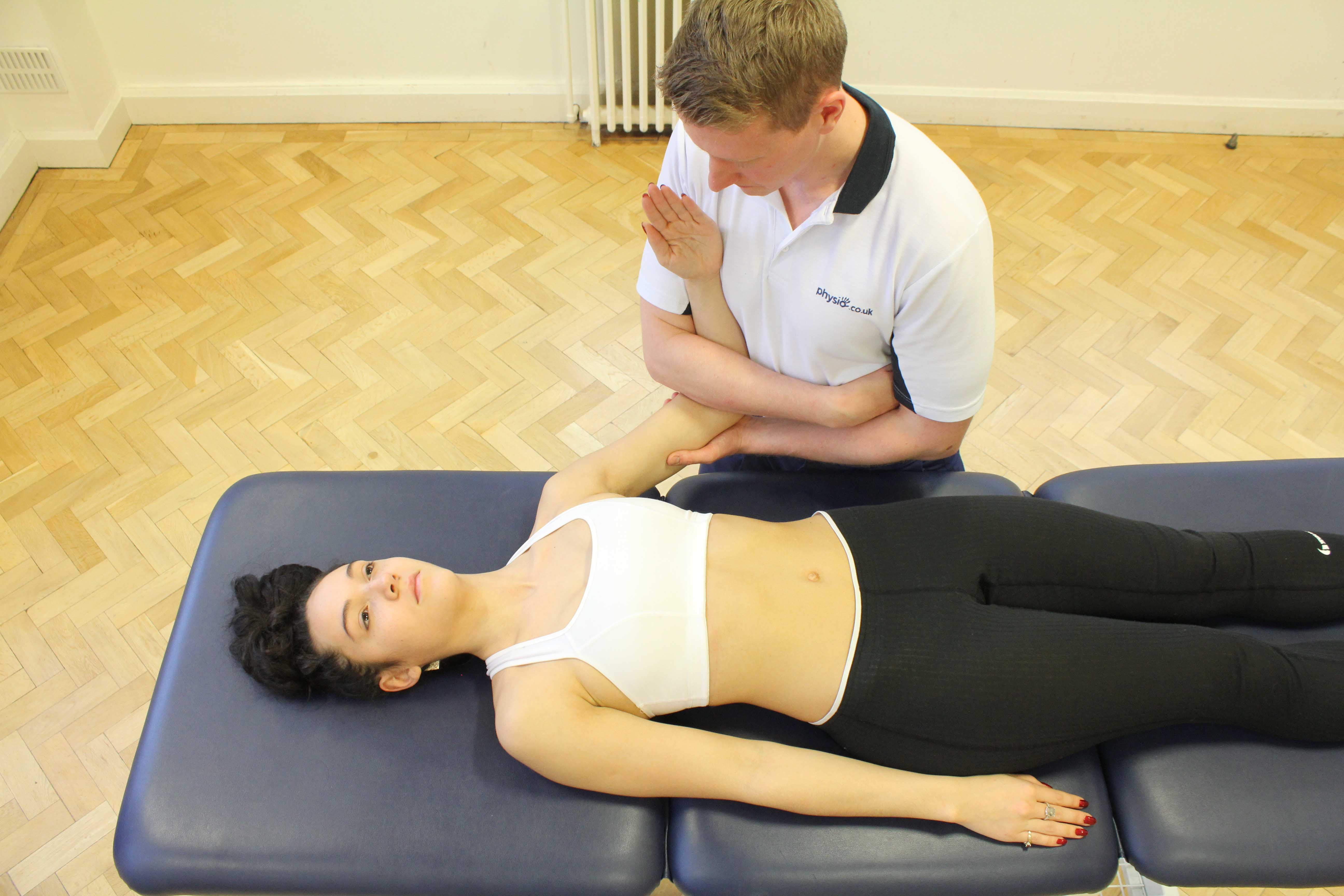 Joint distraction to relieve pain applied by an experienced physiotherapist