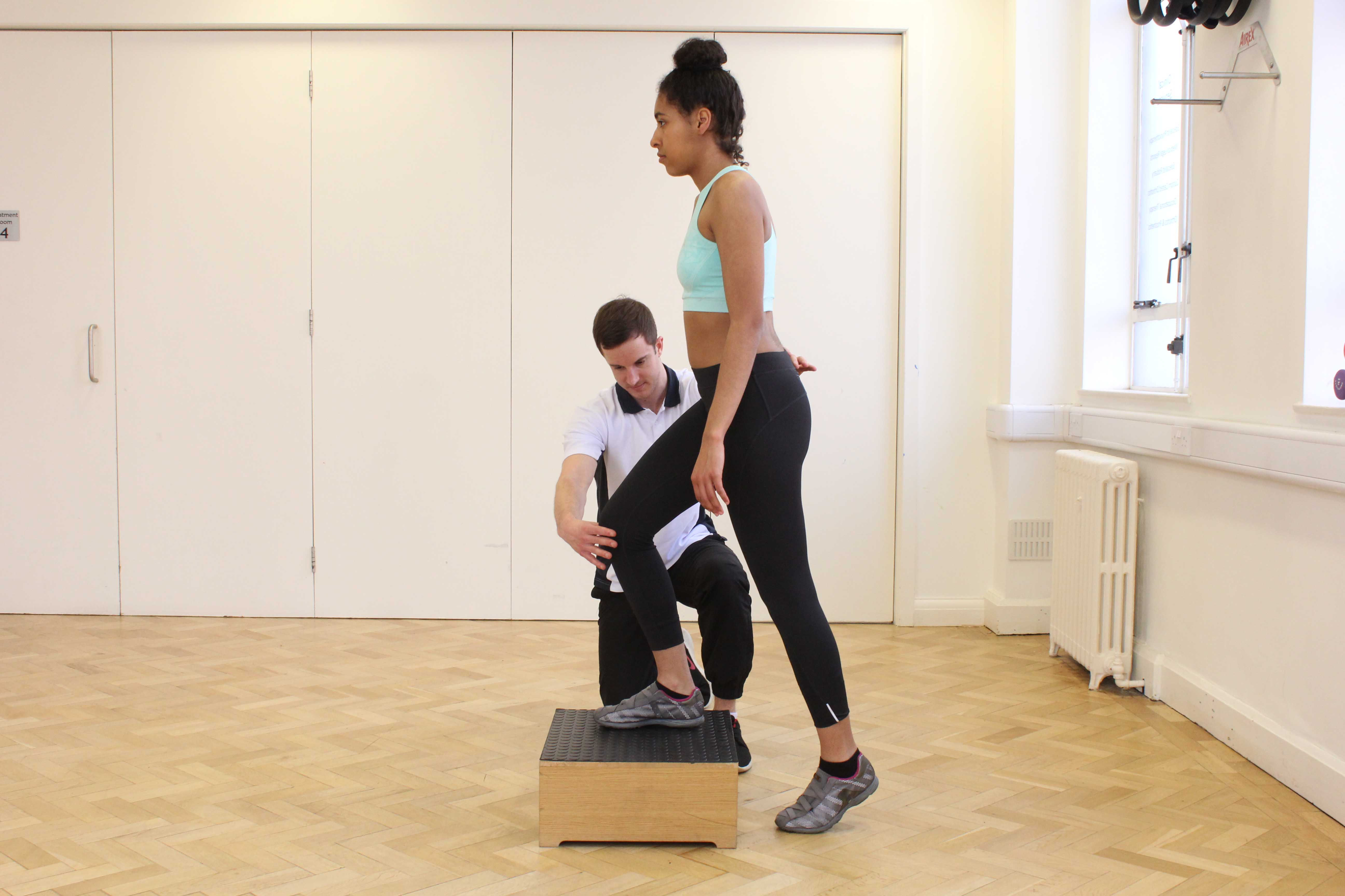 Functional rehabilitation exercises of the knee