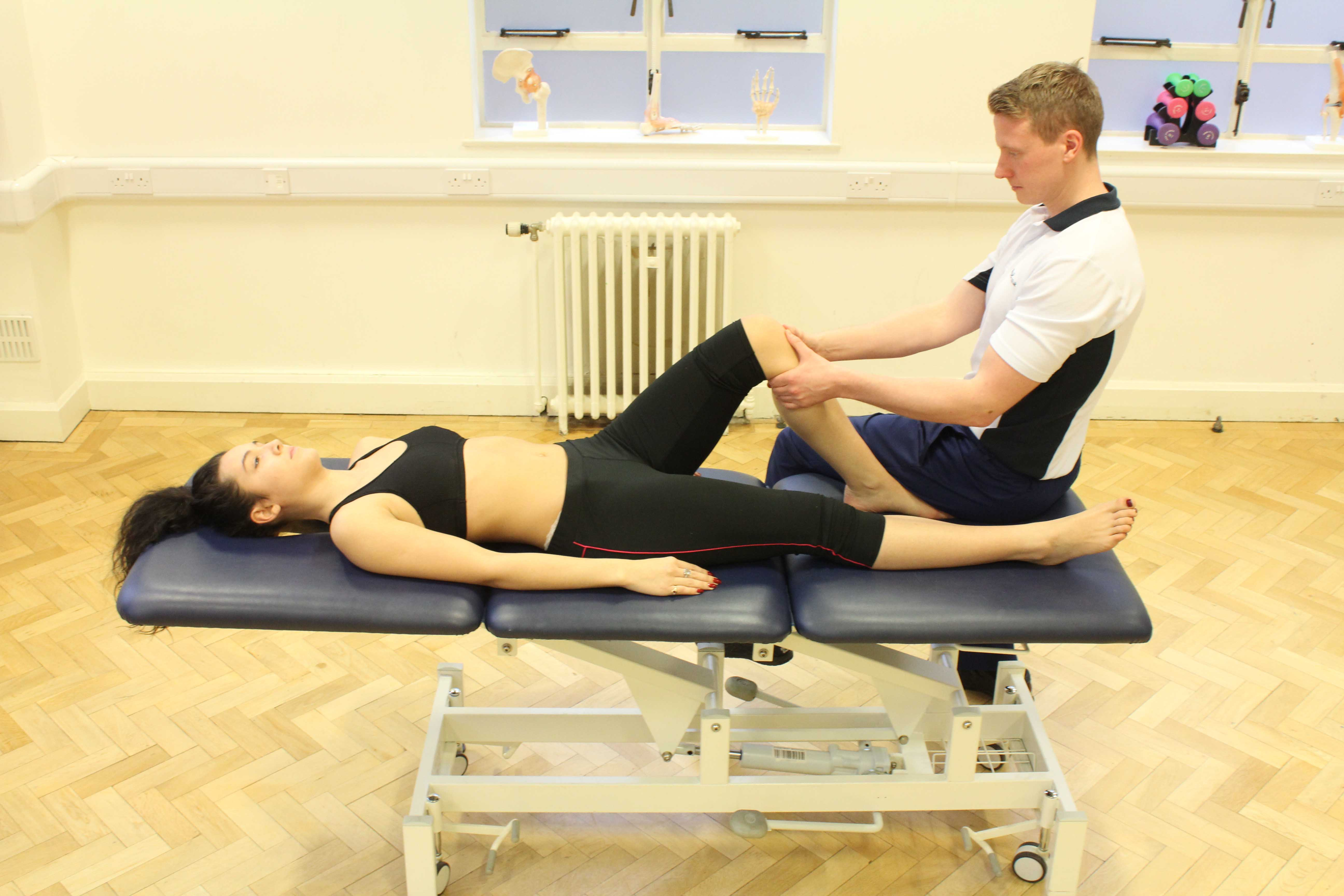 Mobilisations of the knee joint by experienced musculoskeletal physiotherapist