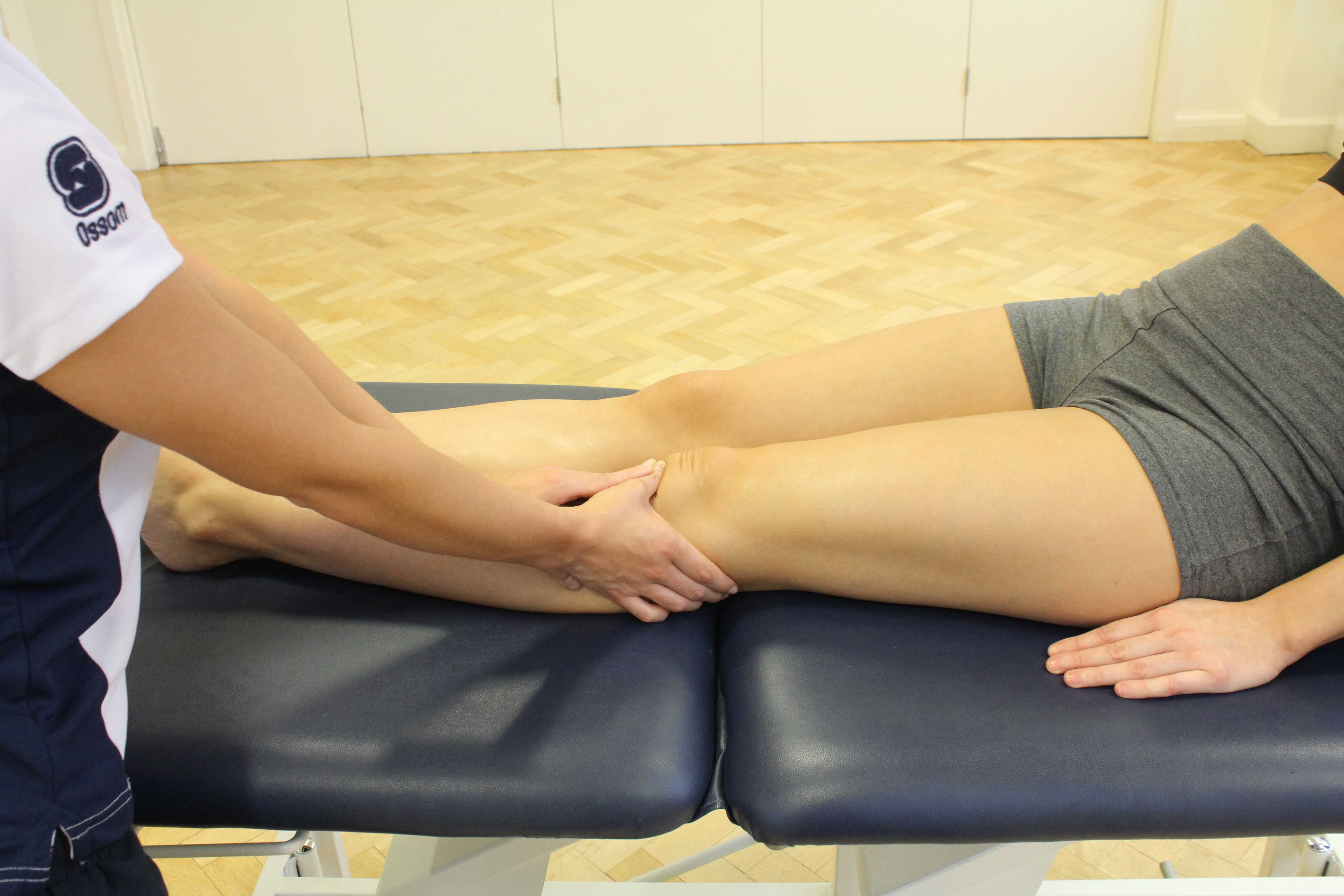 Mobilisations of the patella by experienced MSK therapist