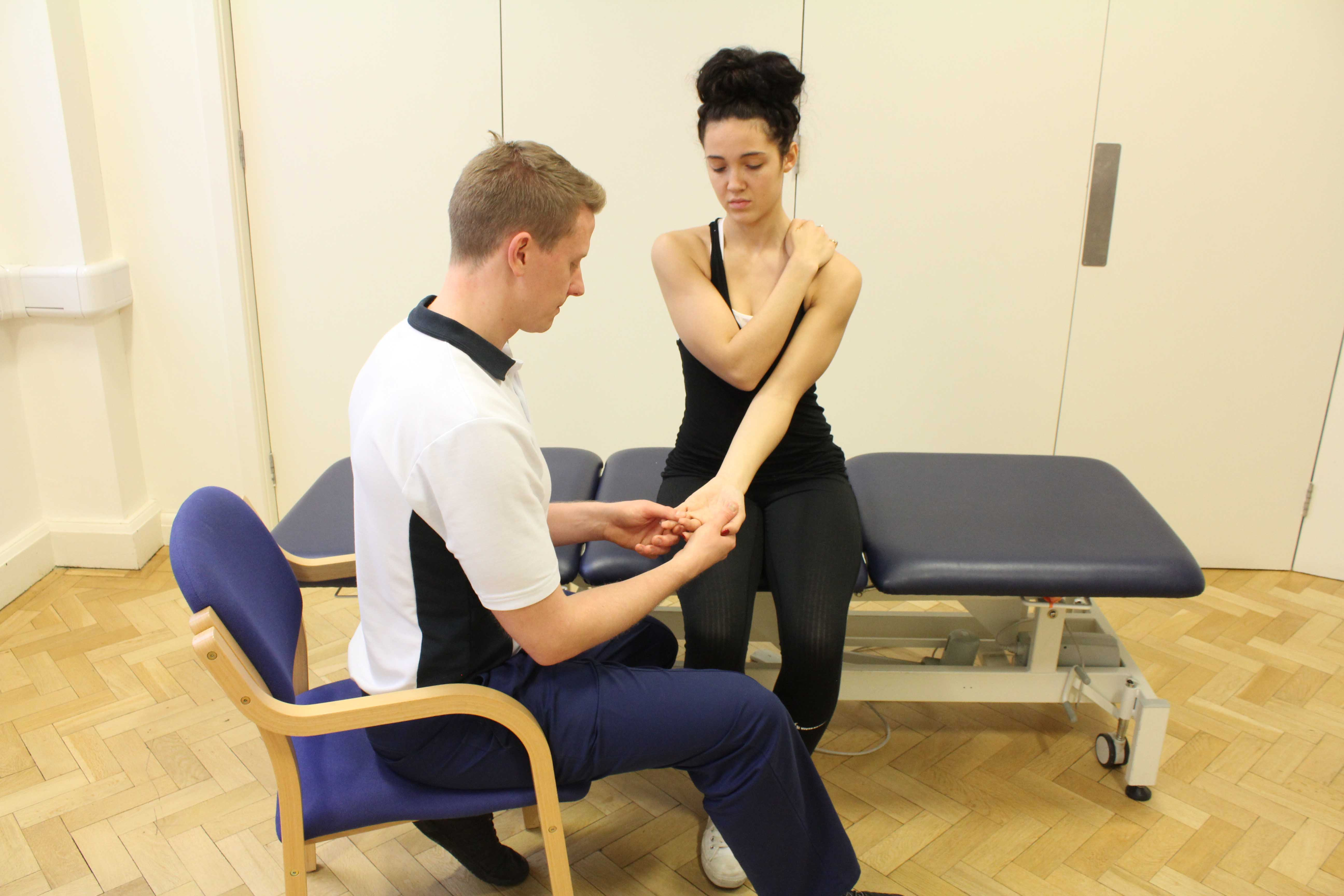 Functional electrical stimulation assessment by a neurological physiotherapist