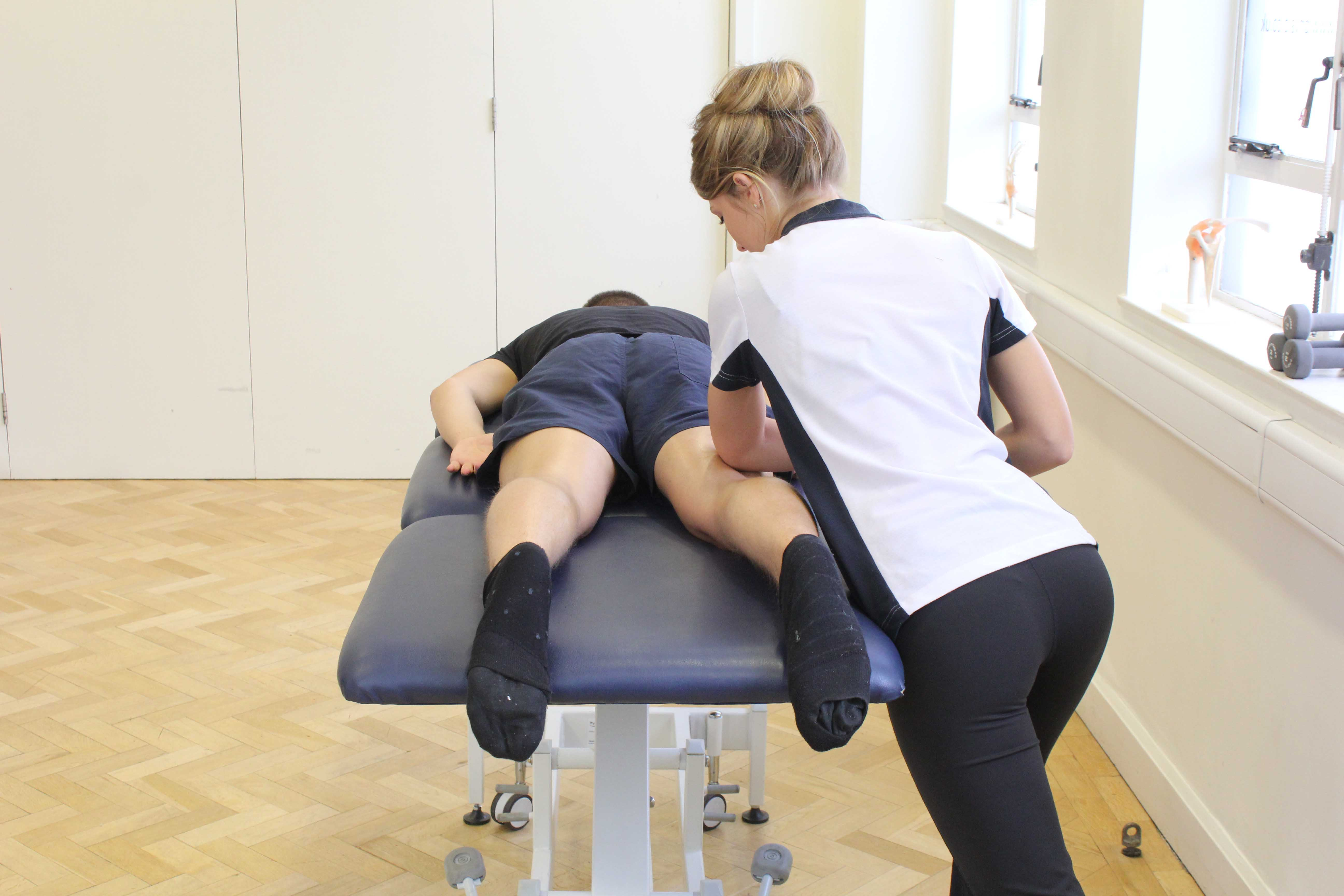 Deep tissue massage to relieve symptoms of pain