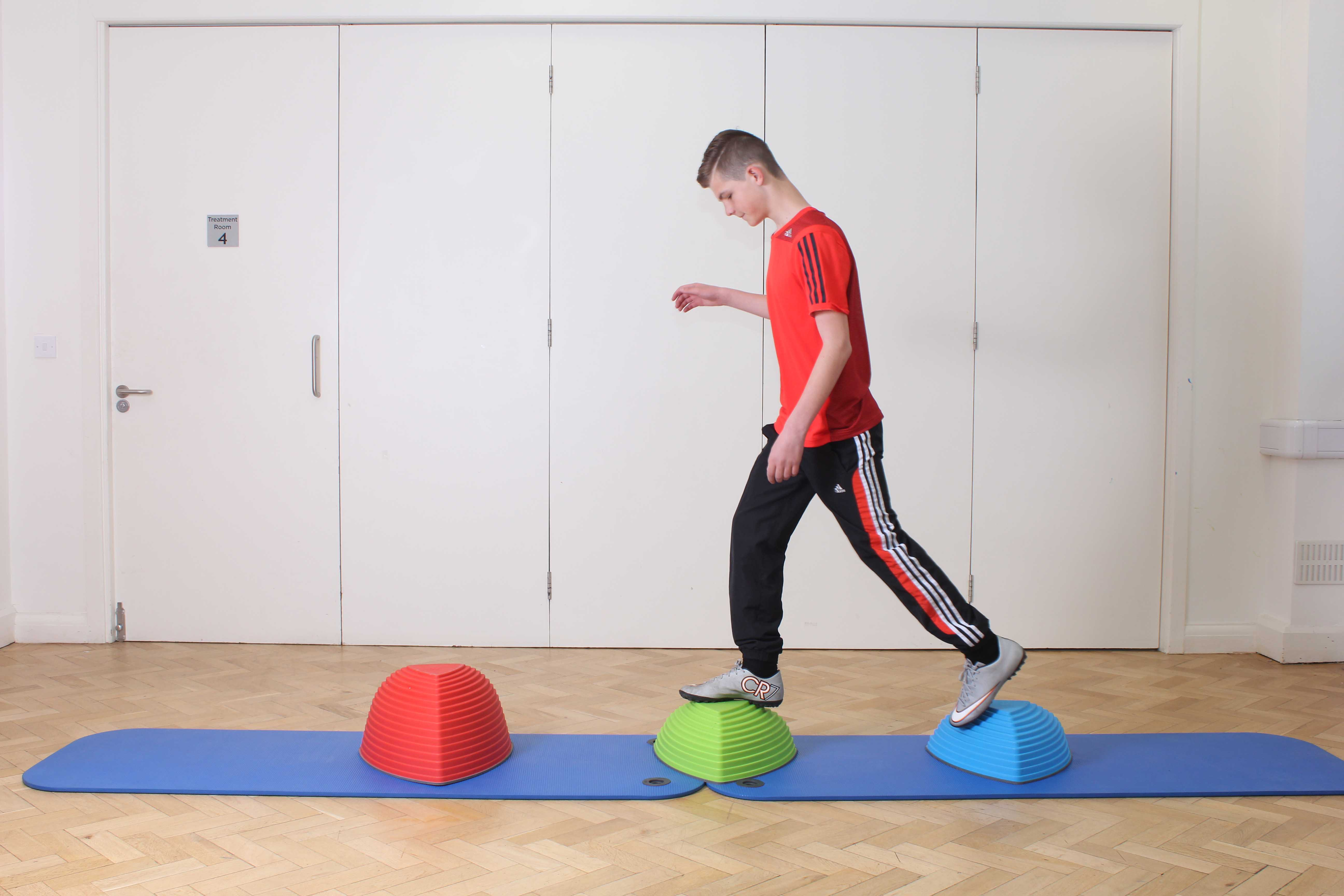 Mobility exercises to improve ankle function and stability