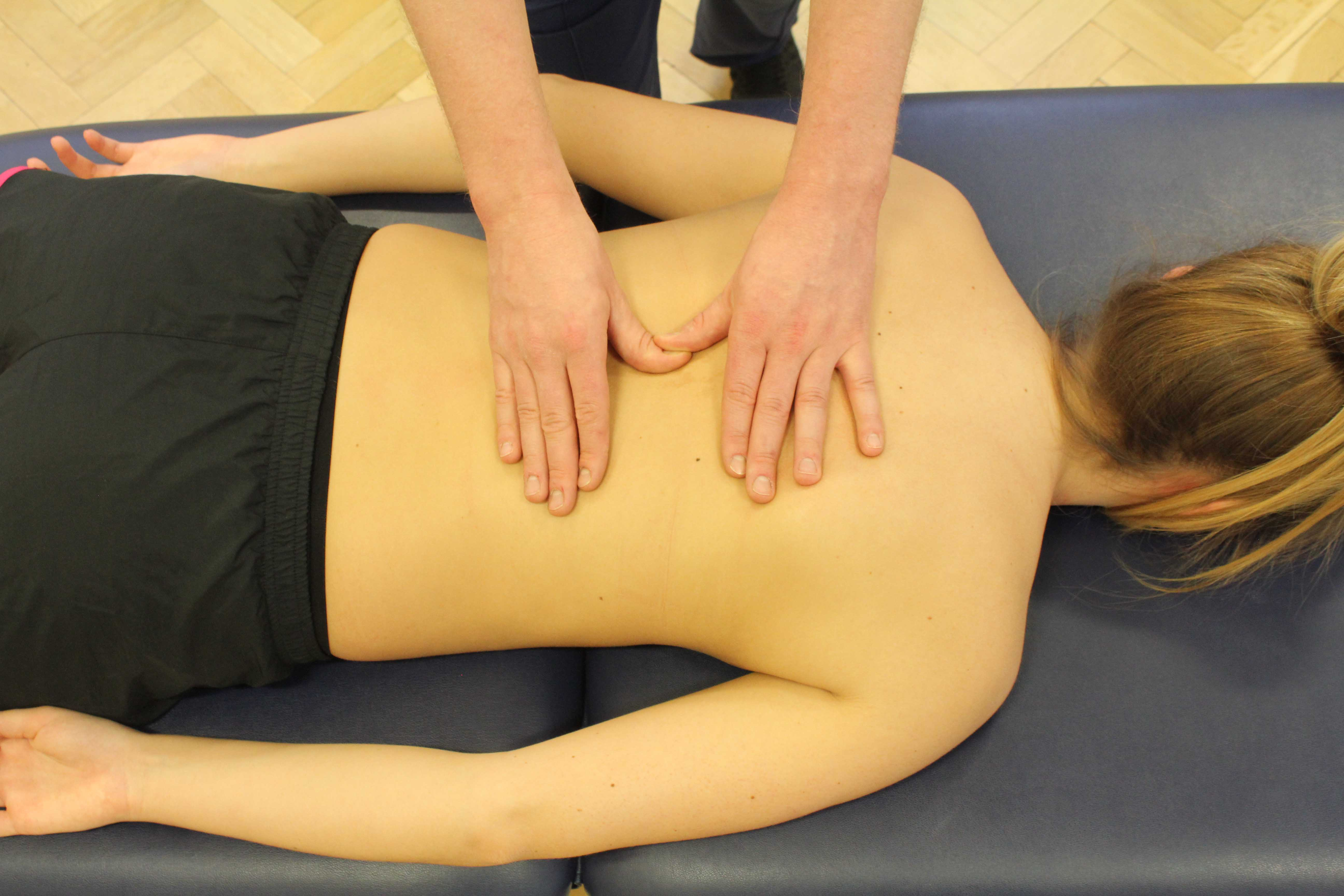 Mobilisations of the mid thoracic spine by experienced physiotherapist